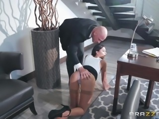 A real big dick, that's what everyone wants. Porn-stars are no exception. Join us and enjoy Ariana Marie sucking Johnny's big and hard dick with great pleasure. Juicy cock for the sexy brunette babe! Enjoy!