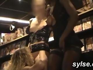 amatrices : bukkake cinema et partouze sexshop
