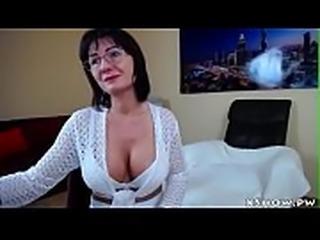 Wet Gorgeous Mom Camshow Masturbation