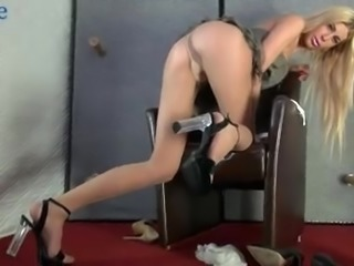 Attractive Mandy Slim gets her Dutch pussy fucked from behind