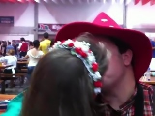 Tongue Kiss Archives: 'Beijinho de lingua Oktoberfest 2011'