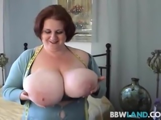 BBW Legend Sapphire Measures Her Tits For the Fans