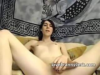 Tranny shows &amp_ cums
