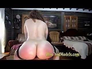 Camgirl with Big Ass Squirts Immediately