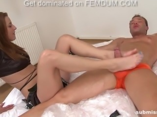 horny and muscular peter submissed by a skinny new mistress