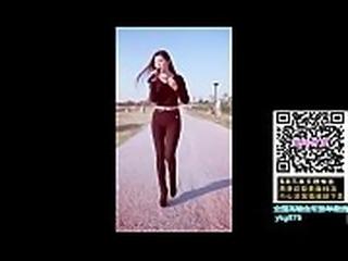 束成【手机复制链接打开     http://u6.gg/d8569      全中国最牛草B约炮找对 象谈感情专用神器】《全 国高端会所接单微信  ykg876》两个桃红色的球体。球而上颤动着两颗紧葡萄般的乳头。她终于熬不过
