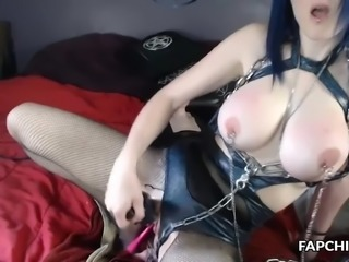 perfect kinky enjoys her solo time