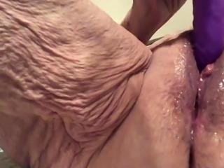 Cum Slut Masturbating
