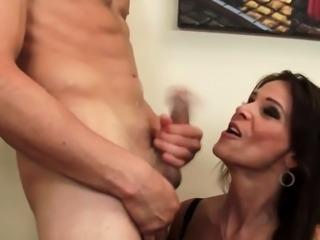 Horny Employee Bangs Hot Boss's Vagina