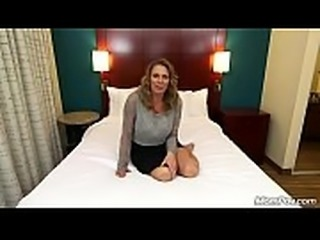 DEEP ANAL FUCKING AMATEUR MILF GETS TWO FACIALS  Link full and her info: http://corneey.com/wJosDj