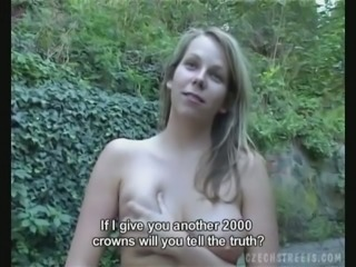 Sextractive Czech girl Alice masturbates her snatch and gives her head outdoor