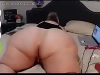 Canadian BBW show me her BIG ASS on cam - I met her on Feasyhook.com
