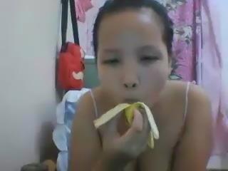 banana girl 1.mp4