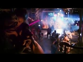 Suki Waterhouse, Rumer Willis and others in hot scenes