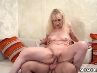 Mature woman's old pussy filled with young dick