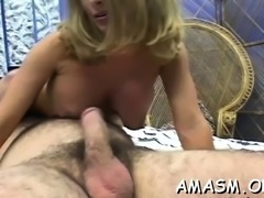 Needy woman loves facesitting dude in messy porn modes