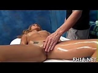 Handsome boyfrend plays with pussy and then fucks her well