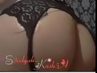 A Saudi girl, her body is very sexy and beautiful