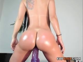 Kelsey Brunette Amateur Babe Toying Pussy