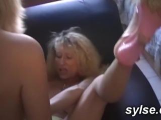 Blondes amatrices : lesbiennes et partouzeuses