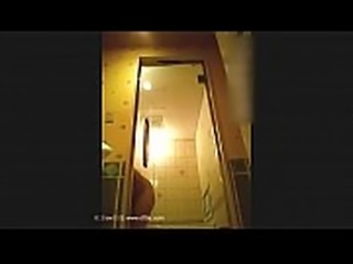 某酒店女服务员偷拍多名大奶住客洗澡视频曝光 - 男人想要的更多东西 威信 mmm y5800