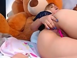 Colombiana gostosa gemendo e brincando na cam