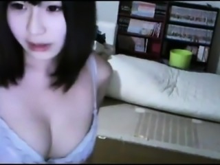 Sexy Asian Amateur Topless on WebCam