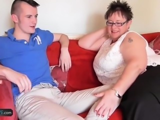 AgedLovE Mature Honey Sucks Sam Bourne
