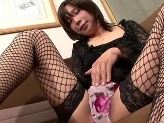Gorgeous Japanese tranny cock throbs in close up