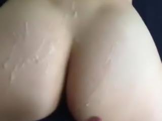 Cum on gf jiggly ass