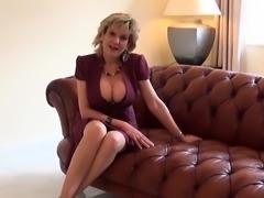 Cheating british milf lady sonia reveals her massive 88yCv