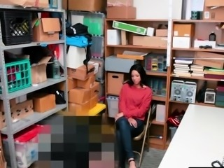 Officer bangs shoplifter Amethyst wet pussy