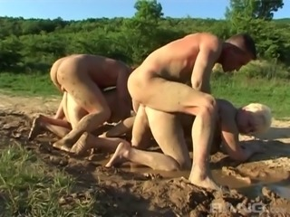 Mature amateur granny gets fucked silly in a messy outdoors foursome action