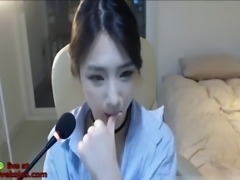 Most beautiful korean camgirl shows her body