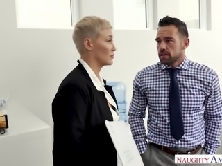 Short haired auburn sexy MILF Ryan Keely is into some good oral