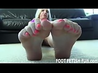 I will seduce you with just my sexy little feet