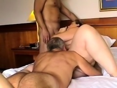Chunky mature housewife gets double penetrated on the bed