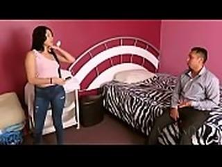 Alex se coge a su hermana Giselle Montes por dinero no le digas a mama y a papa eh