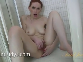 Amateur redhead gets into shower. add me on snapchat: jbae.69