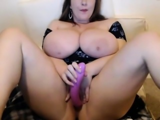 girl with huge tits fucks the puss