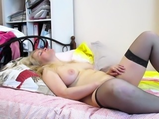 Buxom mature wife in stockings gets rammed missionary style