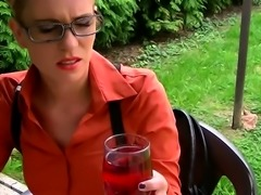 Kinky honey leony april likes to get messy and engulf cock