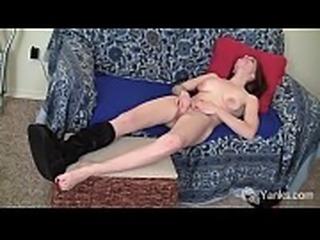Yanks Bianca Galore&#039_s Luscious Lip Rubbing