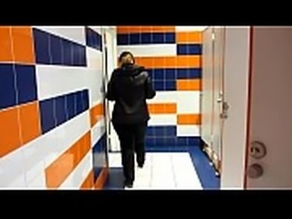 Golden shower in public places, bbw with a big ass and with a hairy pussy pissing on the stairs in the common entrance.