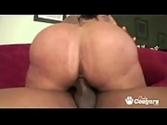 Booty cougar Lethal Lipps gets her ass ripped and jizzed