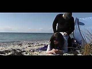 Brokenbitch dogging slutwife ed on public beach gangbang