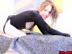 Anna De Villes rectal cavity gets pulverized as she streches