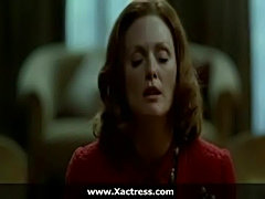 Julianne moore the dominating mother  free