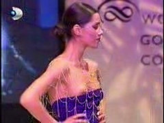 Nipple slip video - fashion show