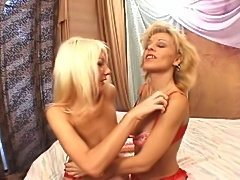 Milf Sammie Sparks & Young Blond